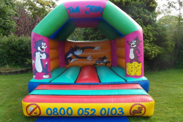 Tom and jerry bouncy castle large 3