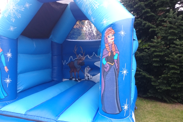 Frozen Bouncy Castle large 4
